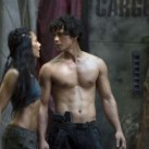 The-100-Episode-1.02-Earth-Skills-Promotional-Photos-bellamy-fille-300x216